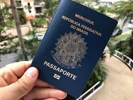 Passaportes reais brasileiros à venda online